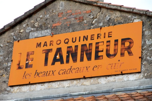 Une ancienne publicité  Le Tanneur.