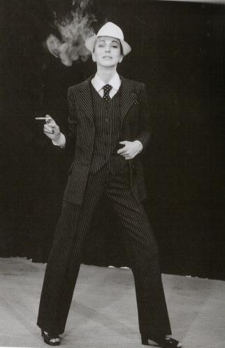 Smoking pour femme, 1966